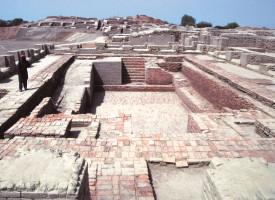 Mohenjo-Daro: An Adventurous Look into Pakistan's Past